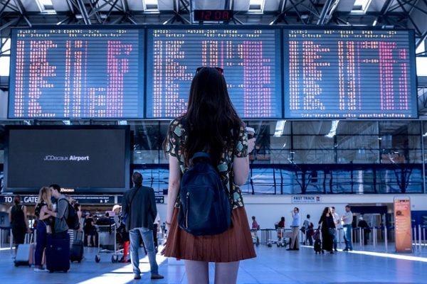 Niezbędnik w podróży: odprawa na lotnisku (airport check-in)