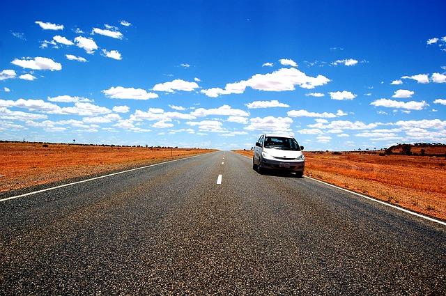 Niezbędnik w podróży: wynajem samochodu (car rental)