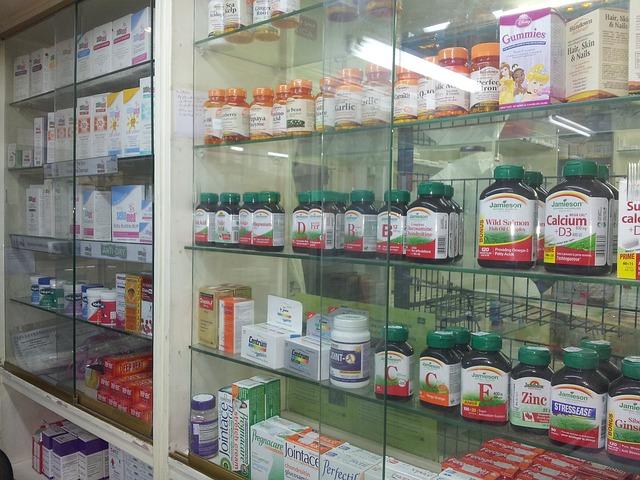 Niezbędnik w podróży: w aptece (at a drugstore)